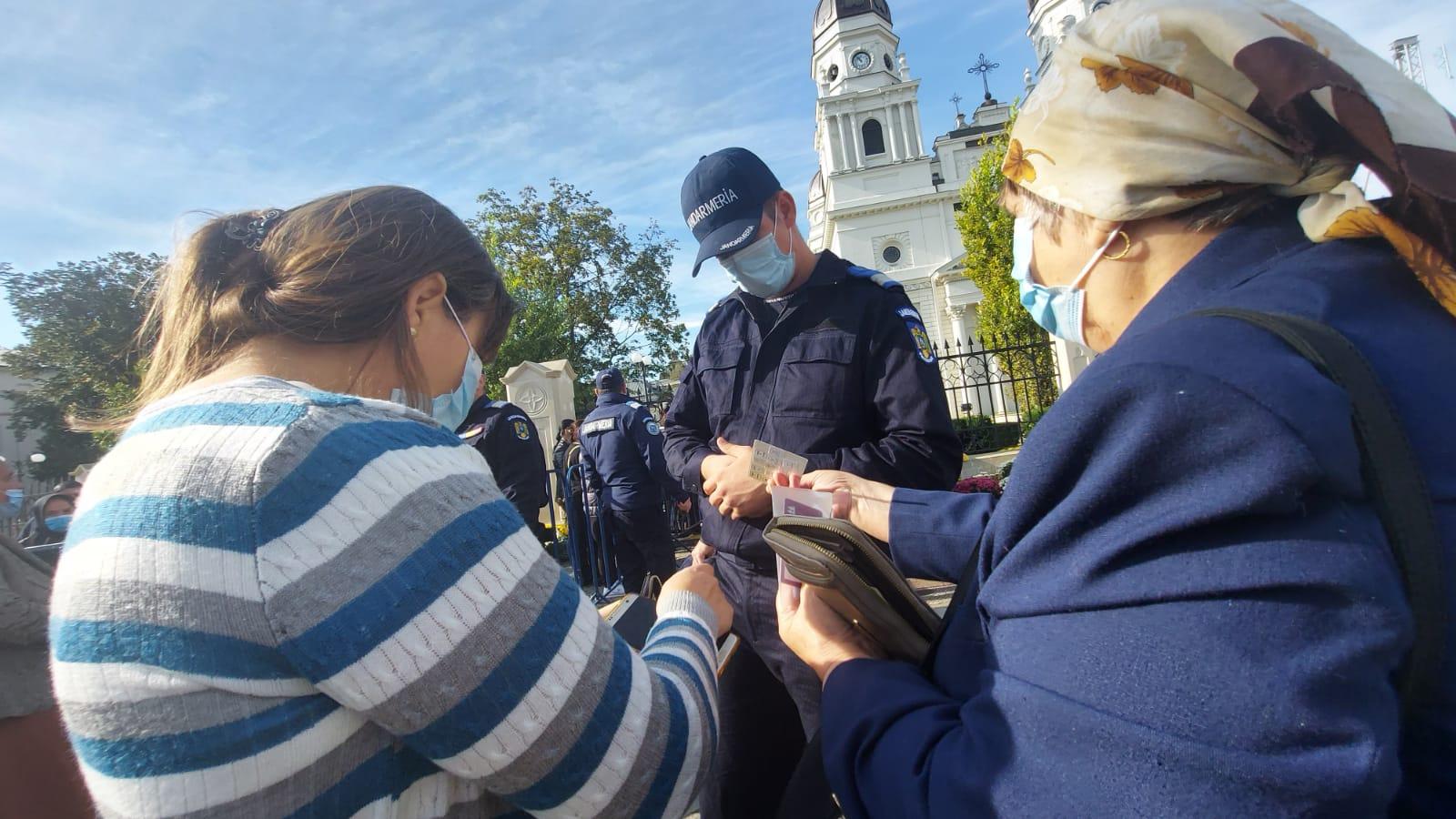 Sărbătoarea Sfintei Parascheva, un nou motiv de scandal în acest an (VIDEO)