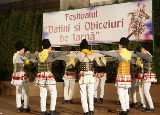 """Festivalul """"Datini și obiceiuri de iarnă"""""""